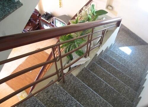 gạch giả đá cầu thang