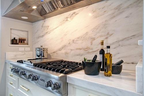 Tư vấn chọn gạch giả đá ốp bếp chuẩn – đẹp cho không gian của bạn