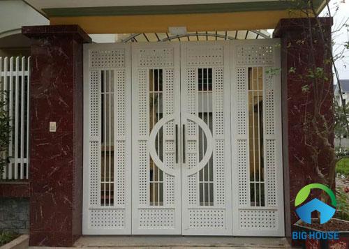 gạch giả đá ốp trụ cổng 1