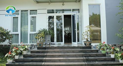 Tại sao nên chọn gạch giả đá ốp tam cấp cho thiết kế không gian nhà ở?